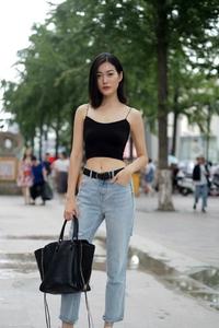 街拍牛仔裤,少妇的最爱,成熟又优雅
