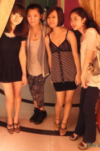 在曼谷夜店背著老婆約出來的大陸學生妹